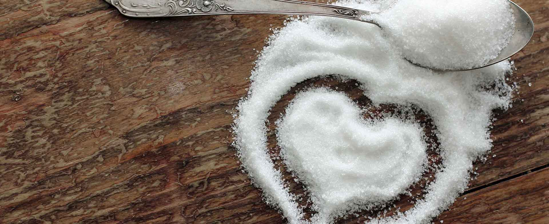 sugar making heart shape