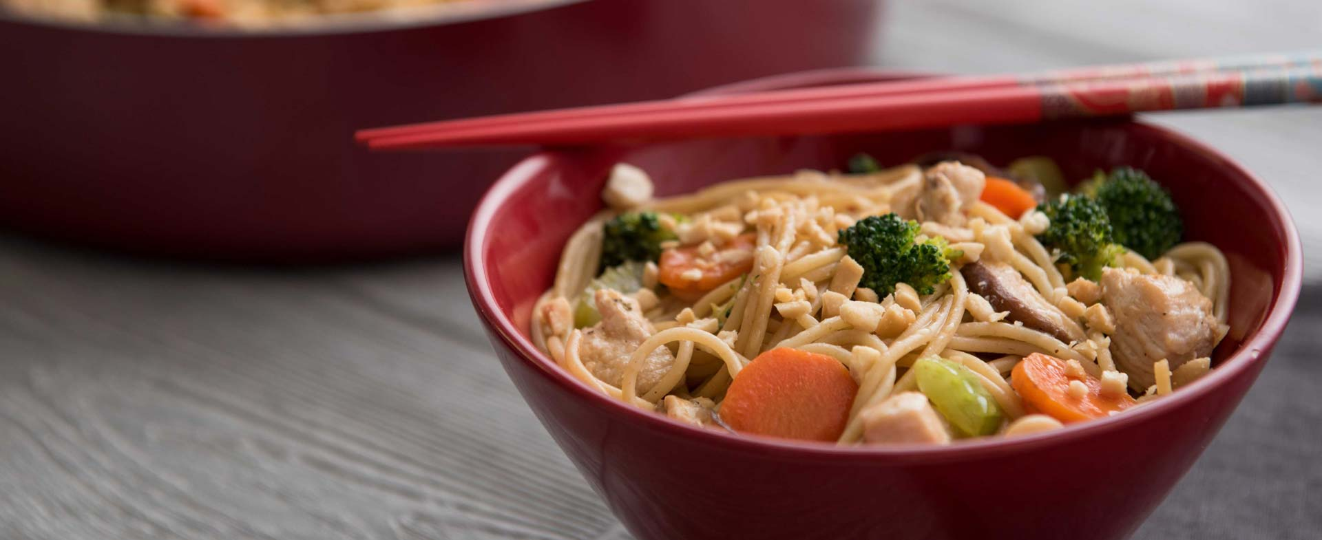 Video Better Than Takeout Chicken Peanut Lo Mein Recipe Henry Ford Livewell