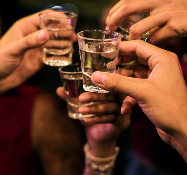 """Are You a """"Weekend"""" Alcoholic? 