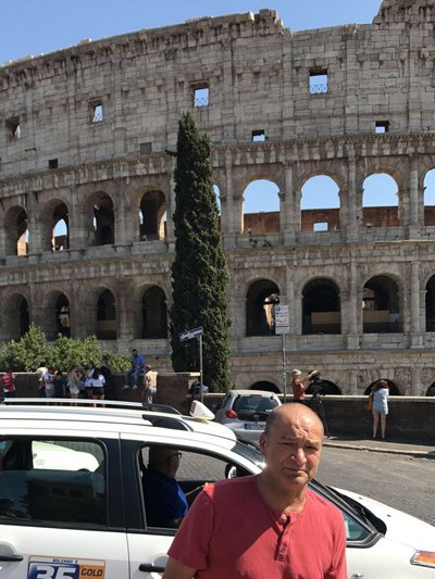 lung cancer patient frank outside colloseum