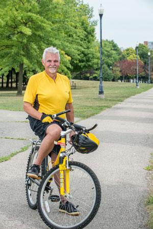 hip replacement patient mike crowe on a bicycle