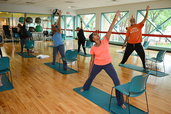 cancer patients in exercise class2